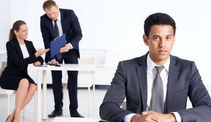男性情感:男人口无遮拦 职场易被人厌
