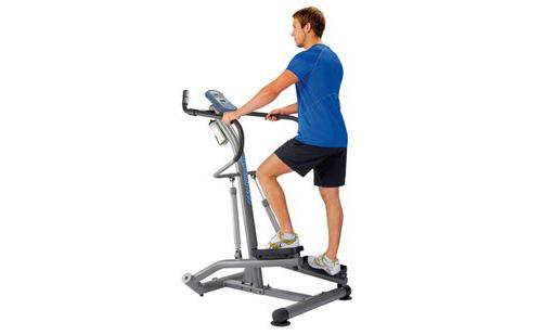 登山机是一种模拟登山的有氧训练健身器。采用美国专利设计;材料进口,电子表头能自动显示锻炼的时间、步数、频率并有屏幕储存功能和目标频率设置,有助于用户检验训练效果。