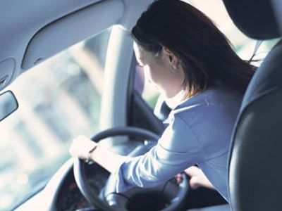 """私家车数量每天都在激增,所以在一些大城市当中,车辆众多便会使得道路更加拥挤,再加上一些""""马路杀手""""的出现,就产生了很多路怒族。今天小编就从心理健康方面具体"""