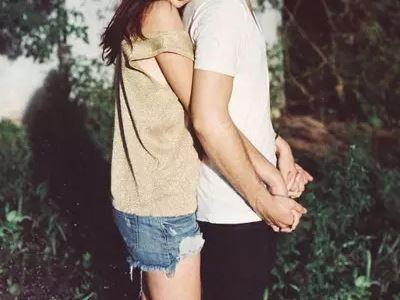 """有很多人在面对旧情人的时候都容易""""旧情复燃"""",主要原因就是内心当中还没有将旧情人忘掉。如果与旧情人纠缠不清,可能就会危害到现在的恋情或者是婚姻。那么从"""