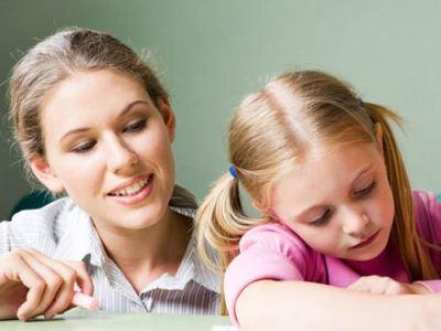 为什么孩子会出现学习障碍?当孩子面对,学业上的一些心理障碍的时候,家长们往往会认为,这肯定是孩子自己个人的问题,但实际上其实孩子容易出现学习障碍,和家庭因素存在不可脱