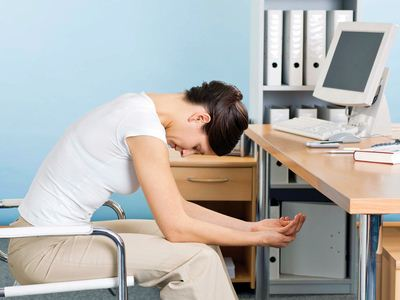 每一份工作,都需要与他人配合来完成,因此,同事之间保持心理健康是必须的,这样大家的配合才会更加默契,不容易产生矛盾。今天,小编就来盘点一下,在工作当中常见的四种异常心理,大