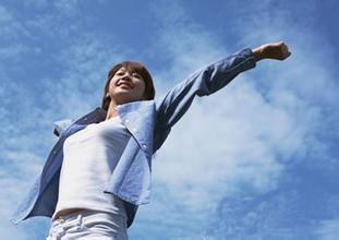现在的大家,面对着竞争激烈的职场,时刻考虑着自己的事业。在职场上打拼,如同一群人比赛,担心自己落后,担心他人超前,心中的担忧越来越重,压力就越来越大,压力一大,就怎个人都不好