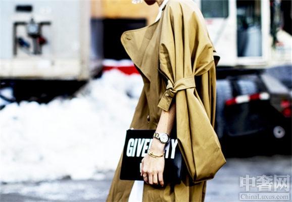 想要成为时髦女人 必须拥有单品包包