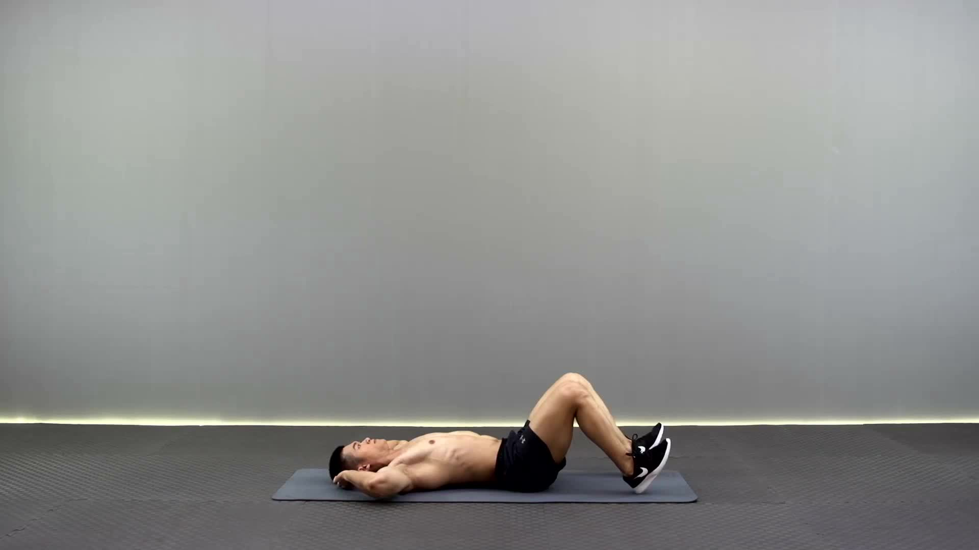 动作要领图                 腹部保持持续紧张,大腿和小腿成90度           主要肌肉示意图        屈膝两头起的动作要领 1部保持持续紧张,大腿和小腿成90度