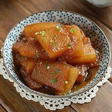 红烧冬瓜红烧冬瓜是一道汉族名菜,属于浙菜系。此菜味鲜咸,色泽红亮,冬瓜软烂,香鲜味美。有多种做法,并且有丰富的营养价值。红烧冬瓜所需材料主要食材冬瓜 ( 500克 )姜 ( 10克 )
