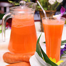 樱桃西红柿柳橙汁樱桃西红柿柳橙汁营养丰富且热量低,含有很多种维生素、矿物质、微量元素、优质的食物纤维及果胶等高价值的营养成份。做法也很简单,赶快学起来哦。营养价值:蛋