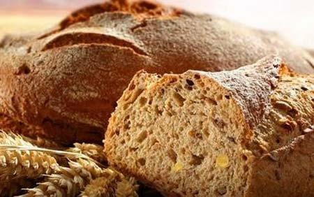 发酵食物有哪些  如何制作发酵食物1、谷物发酵食品主要有甜面酱及米醋等食品,它们当中富含苏氨酸等成分,可防止记忆力减退。另外,醋的主要成分是多种氨基酸及矿物质,可达到降低