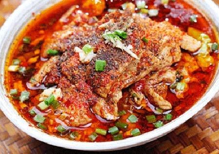 水煮肉片的做法  下饭的水煮肉片这么做水煮肉片属于一种创意菜,肉味香辣,软嫩,易嚼。那么你知道水煮肉片的做法吗?知道怎样做水煮肉片吗?今天我们就来和大家介绍一下水煮肉片怎