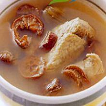 山楂猪骨汤这款汤具有健胃、活血和降低血压及胆固醇的功效,能促进脂肪的分解,有减肥美容的效果哦。做法很简单,只要跟着下面的步骤,你也可以做出来哦。营养价值:蛋白质、碳水化合