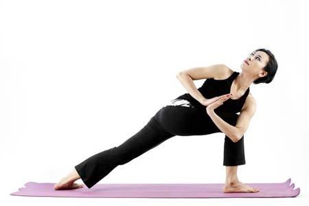 经期也能减肥  经期减肥操轻松燃脂效果好整个夏季女人们最关心的事情就是减肥瘦身了,网络上有很多不同的减肥方法,经期减肥法,睡觉减肥法,拔罐减肥法等等。其实不管是什么样的减
