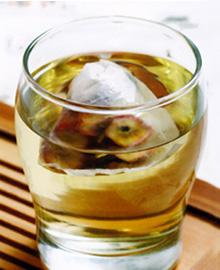 菊花山楂罗布麻茶包菊花山楂罗布麻茶包,一般都是作为商业通途,菊花山楂罗布麻茶包是又菊花、山楂将两种物质磨成粉放置在药包里拿来泡茶喝即可,一般对于那些肥胖或者高血压患者