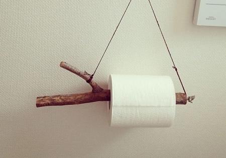 卫生纸也能引起阴道炎?抽纸很多时候,女性为了方便携带和随时使用,一些女性习惯将卫生纸抽出,放在兜里,既方便又省事。但是这并不安全。要知道,女性的阴部本就是一个敏感又脆弱的部