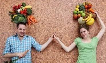 1、芒果:肠胃功能不好、气虚、脾虚的人慎食。  2、西瓜:吃多了伤脾胃,造成消化不良。  3、荔枝:含糖量很高,极易引发突发性低血糖。  4、菠萝:吃前放入淡盐水中浸泡20分