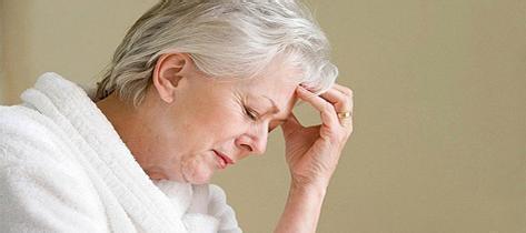 脑梗塞的症状生活中很多原因会引发脑梗塞,脑梗塞的早期症状也有很多,但是突然出现以下症状要高度警惕脑梗塞:1、出现走路不稳一边倒 2、半侧身体感觉迟钝 3、发现流口水 4、发