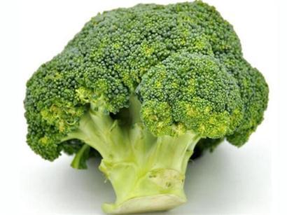 """提到防癌抗癌蔬菜,懂养生的人都知道,西兰花是公认的""""抗癌第一菜"""",它不仅含有抗癌物质,且抗癌的物质含量是蔬菜中的佼佼者。但是如果你的吃法不正确那吃西兰花就"""